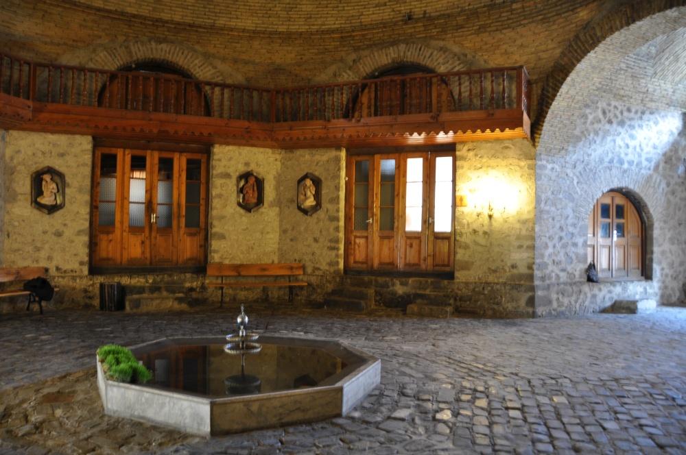 Brunnen in Karawanserei