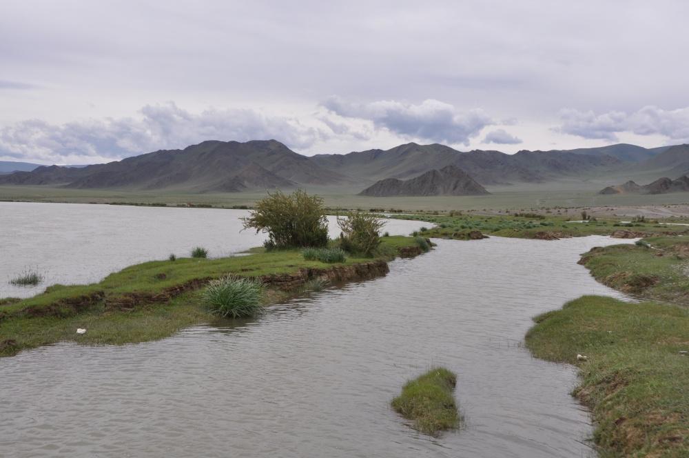 Flusslandschaft bei Ölgii