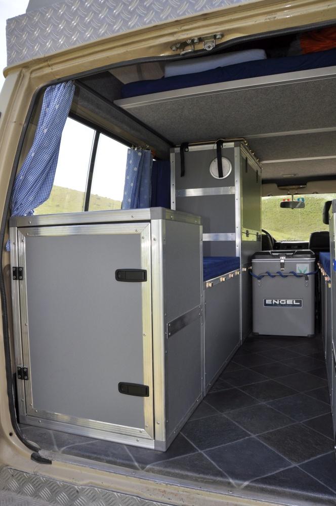 Land Cruiser Reisefahrzeug Möbel