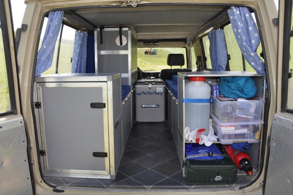 Land Cruiser Reisefahzeug Innenausbau