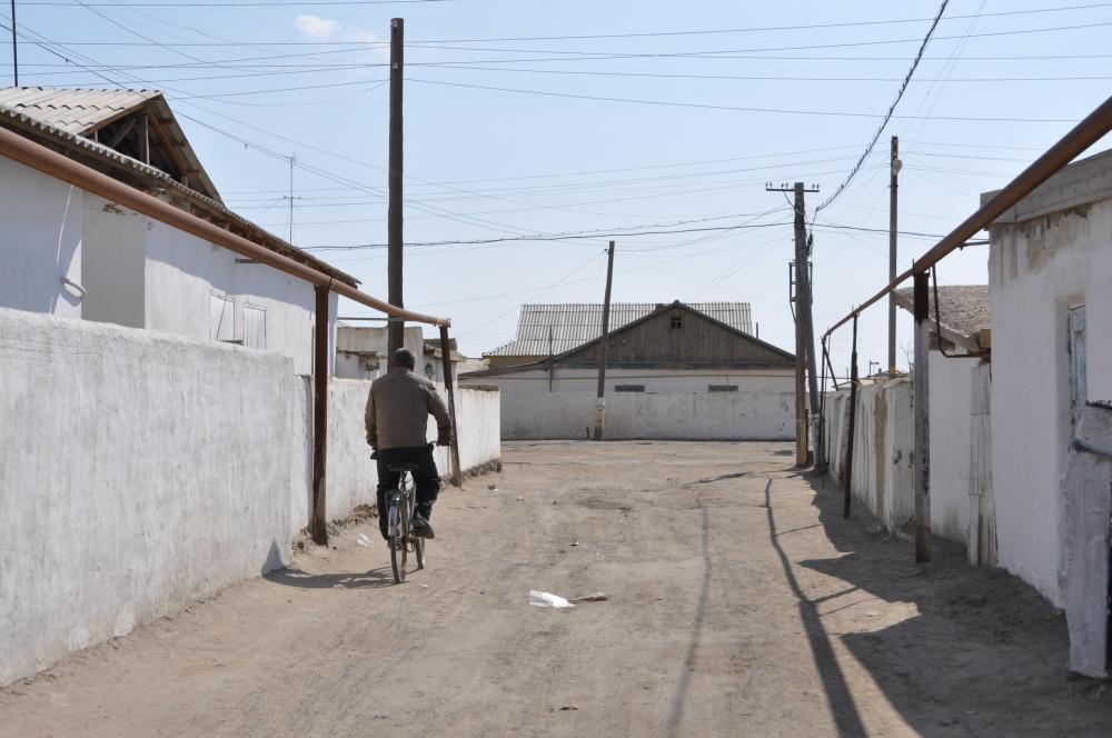 Mann auf Fahrrad in Maynaq