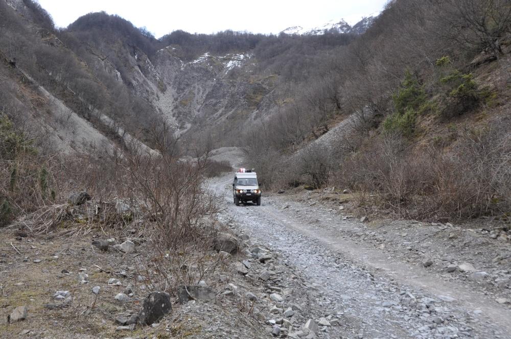 Manny auf steiniger Piste, Aserbaidschan