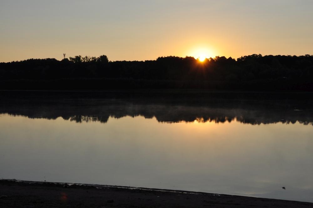 Sonnenaufgang am Fluss Irtysch