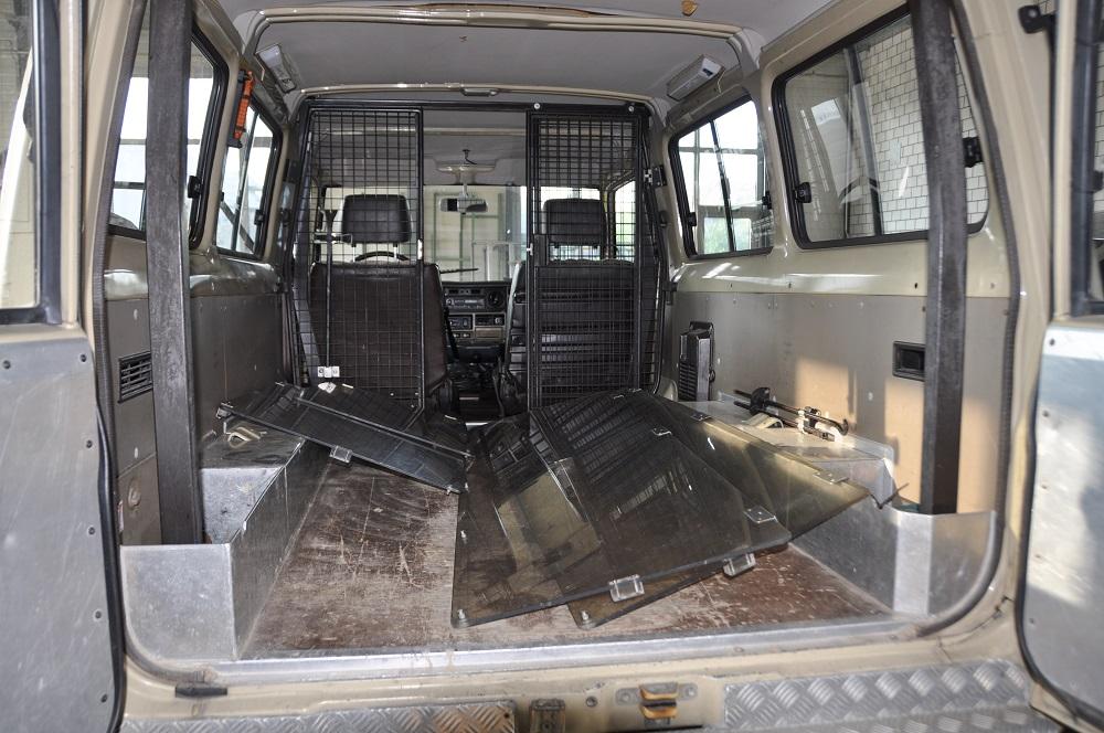 Toyota Land Cruiser Polizei Innenraum