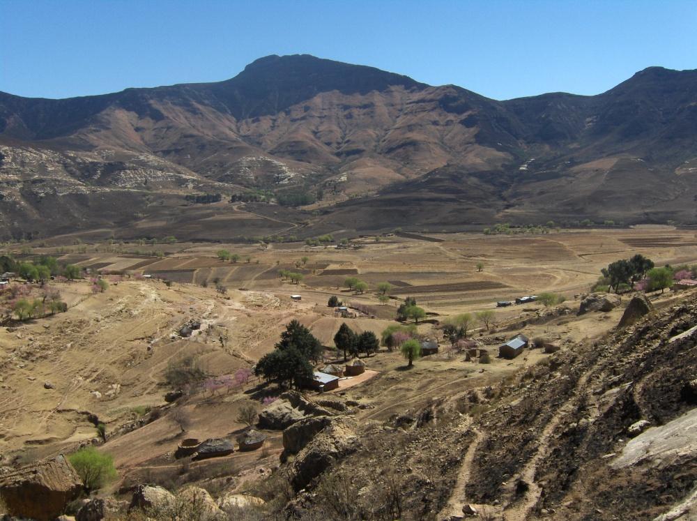 Fusswege in den Bergen Lesothos