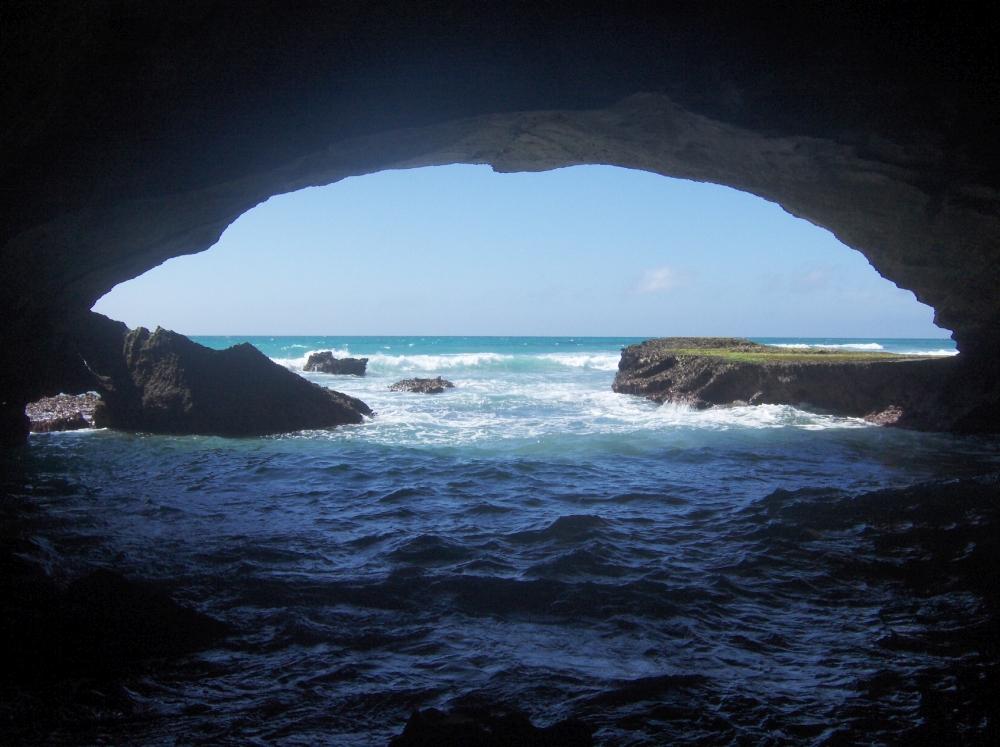 Höhle im Meer