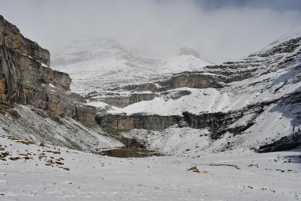 Circo de Soaso Schnee Nebel Ordesa Nationalpark