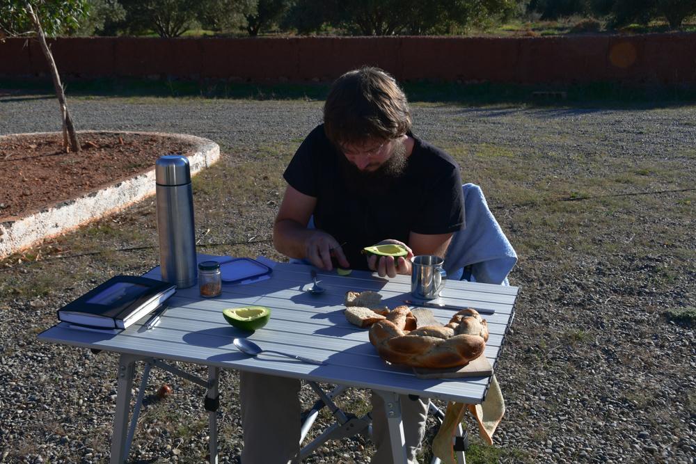 Tobi Tisch Avocado Essen