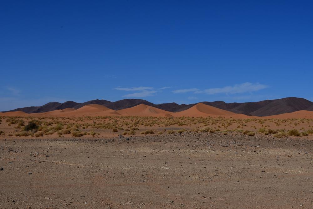 Sandduenen Bergkette nahe Er Remlia