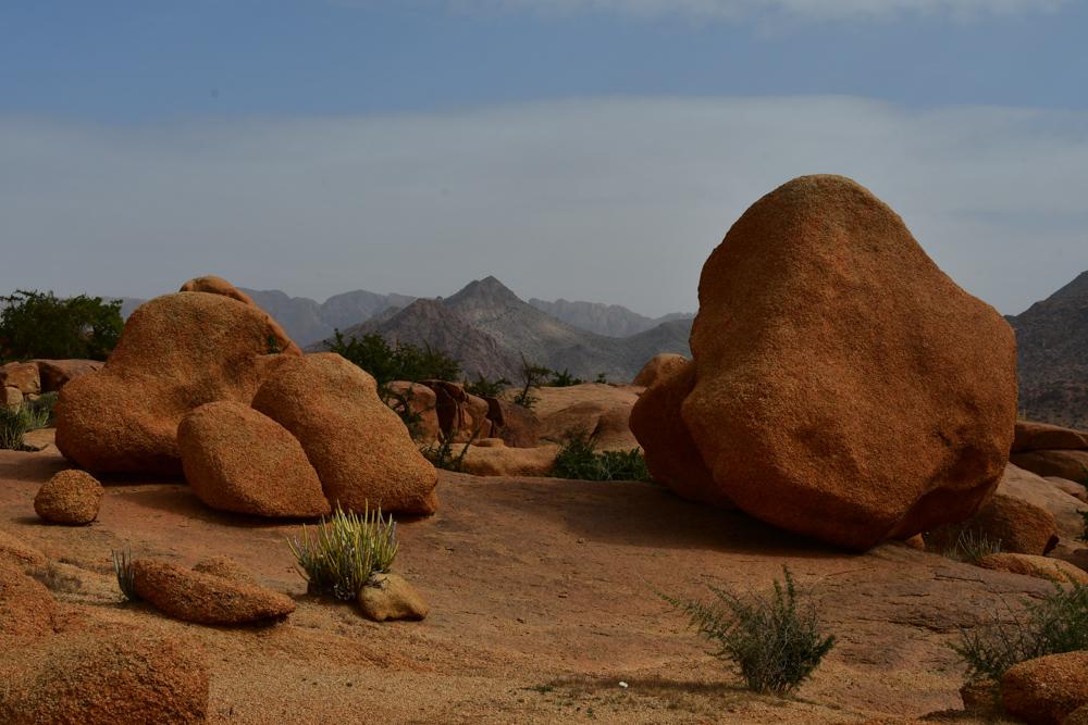 Abgerundete Steine Berge Hintergrund Tafraout blaue Steine