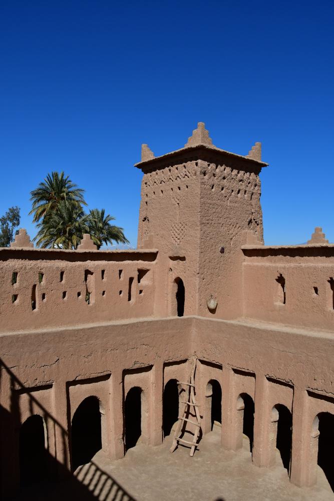 Turm Innenhof Kasbah Amridil