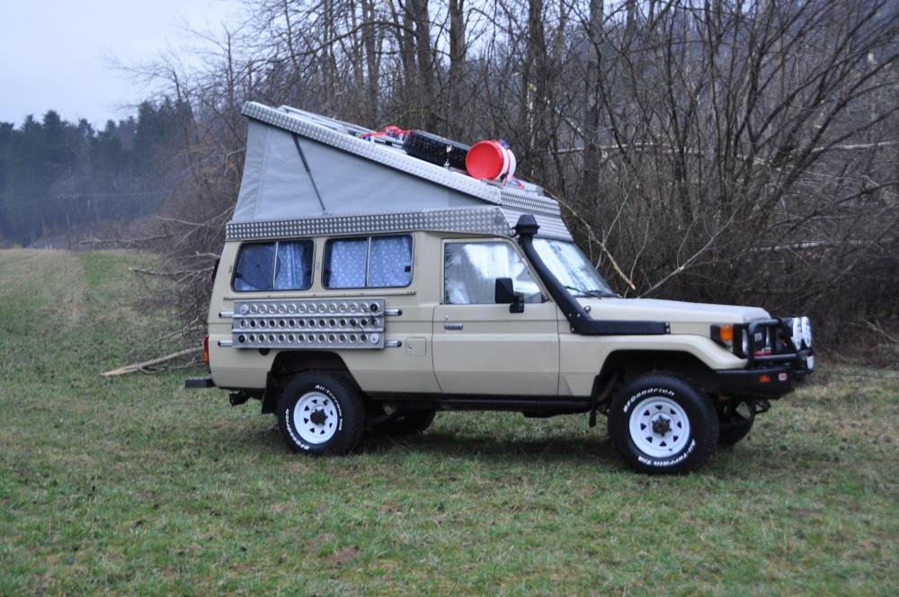 Land Cruiser Reisefahrzeug Hubdach offen