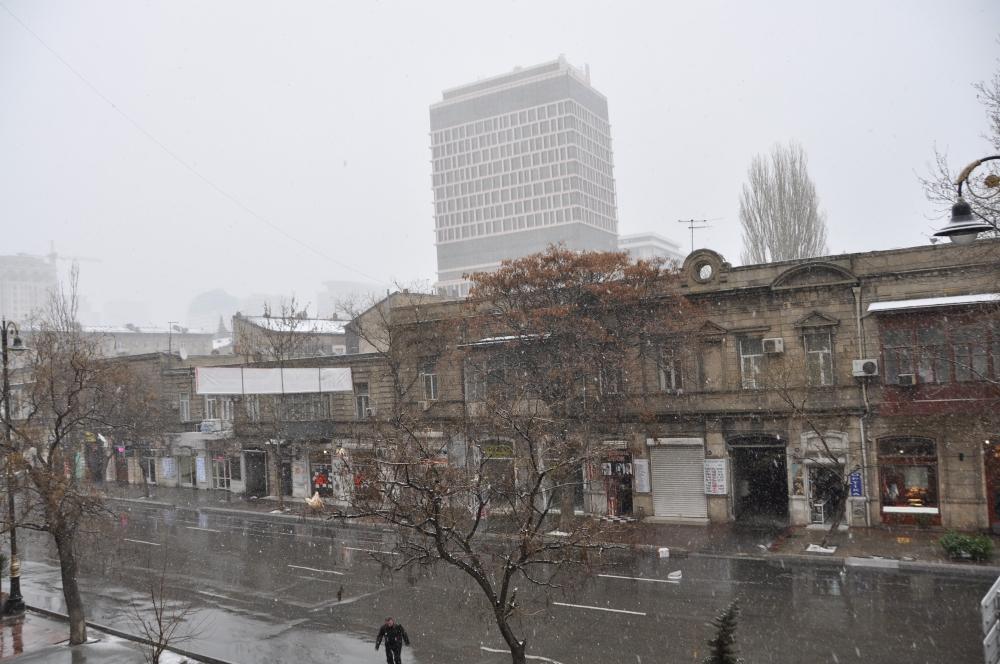 Schneefall in Baku