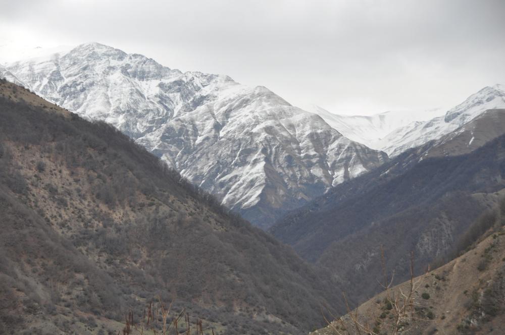 Schneegipfel des grossen Kaukasus