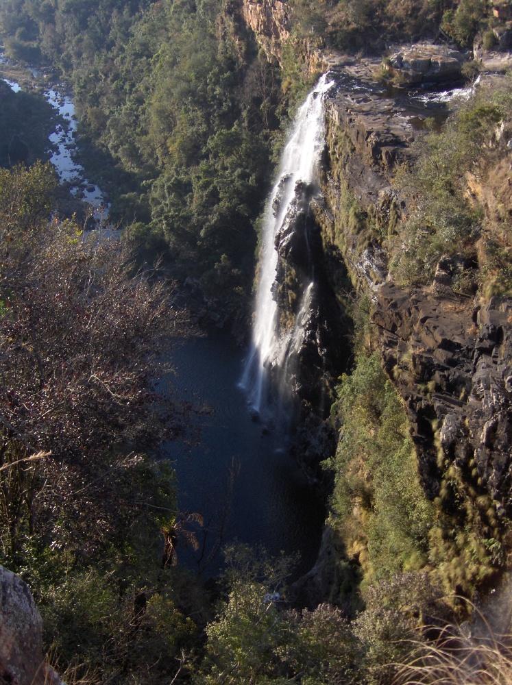 Wasserfall in Schlucht