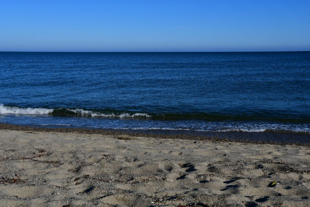 Mittelmeer, Strand, blauer Himmel