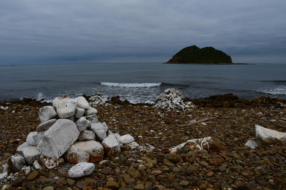 Insel Meer weisse Steine