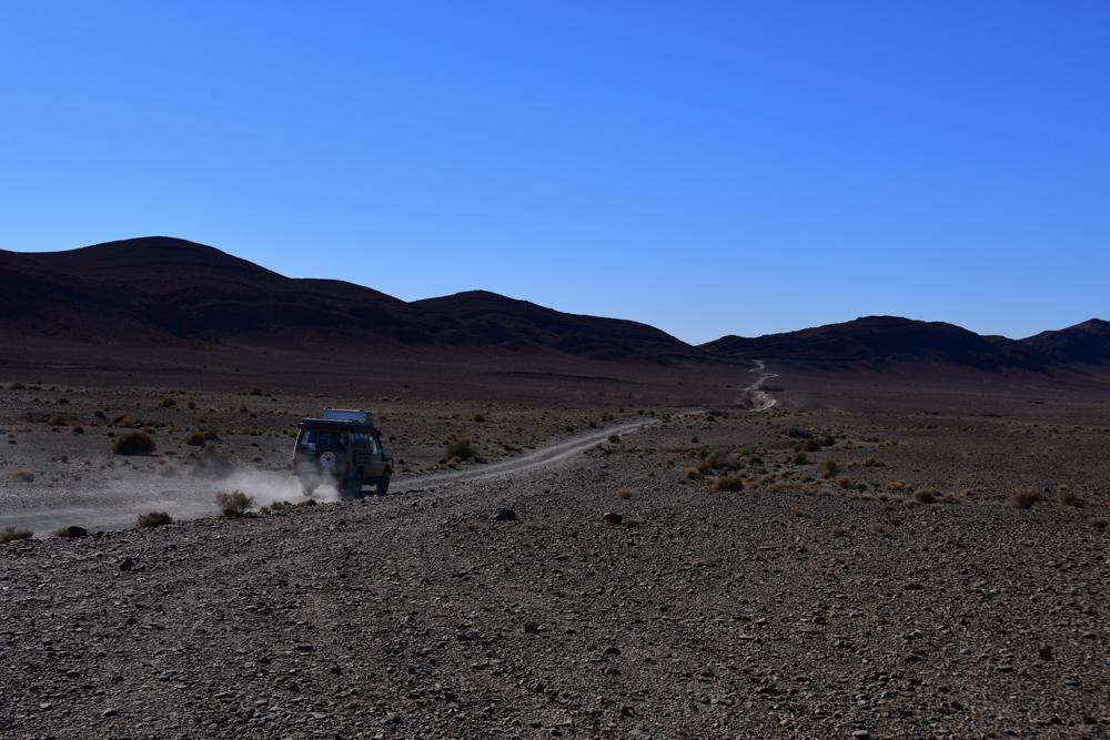 Manny Piste Staubwolke vor Passhoehe nach Boudnib