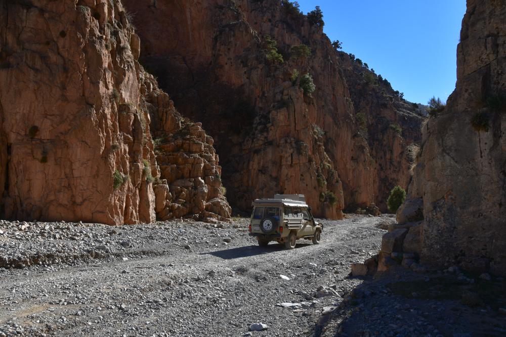 Schlucht Oued Jaffar Manny faehrt los